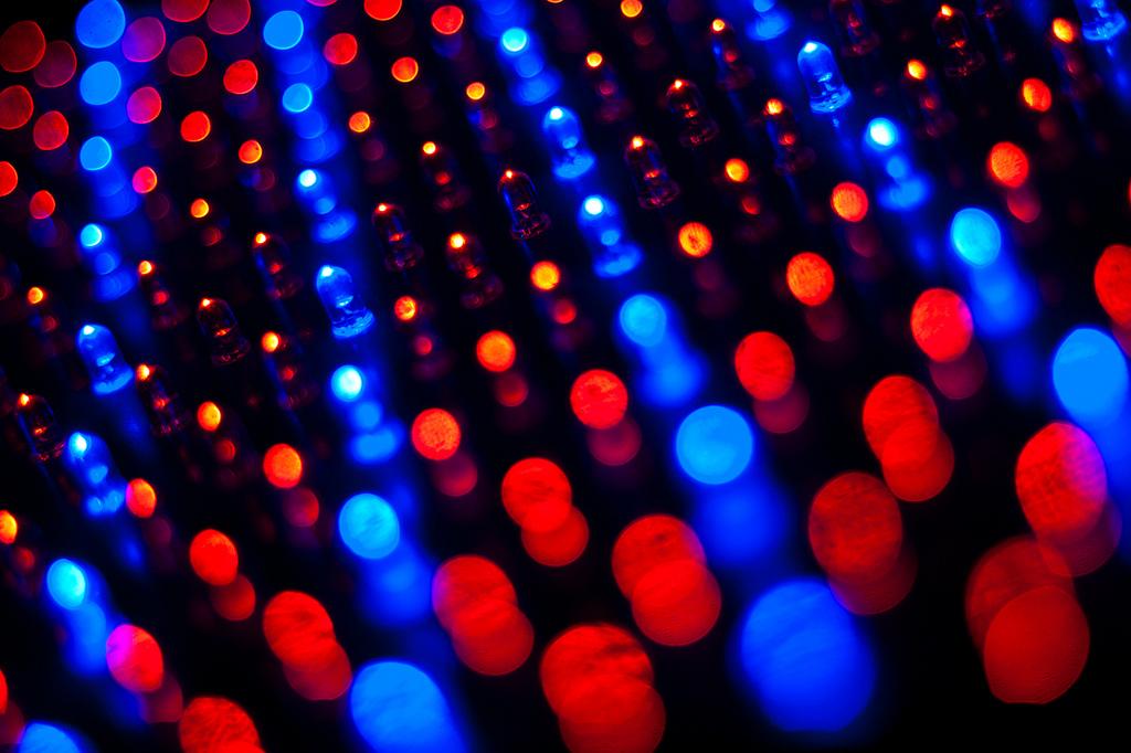 Sklepowe LED-y z danymi dla smartfonów