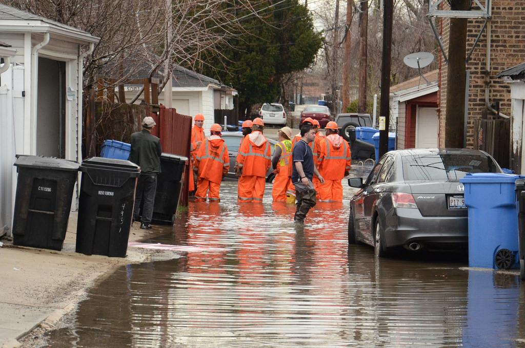 Podwyższony stan rzeki Illinois powodem ewakuacji mieszkańców Utica