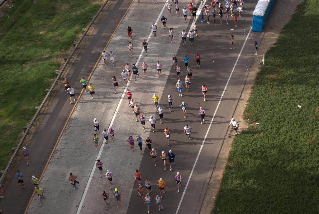 Harriette Thompson 92-letnia biegaczka ukończyła maraton