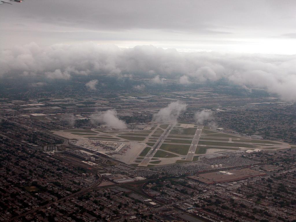 Akcja ratownicza na Miedzynarodowym lotnisku Midway