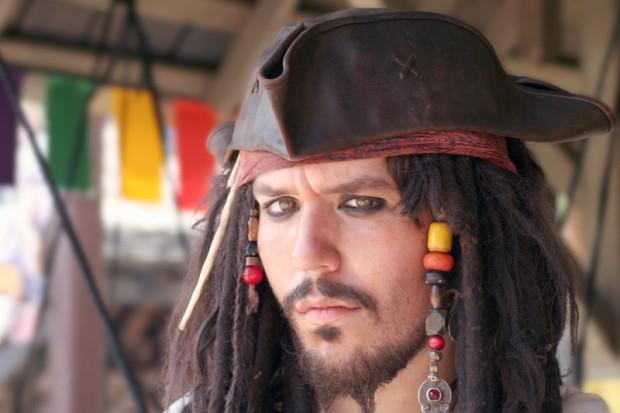 Johnny Depp sprzedaje wioskę