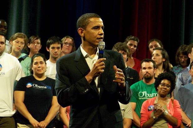 "Barack Obama – "" Zbyt łatwy dostęp do broni """