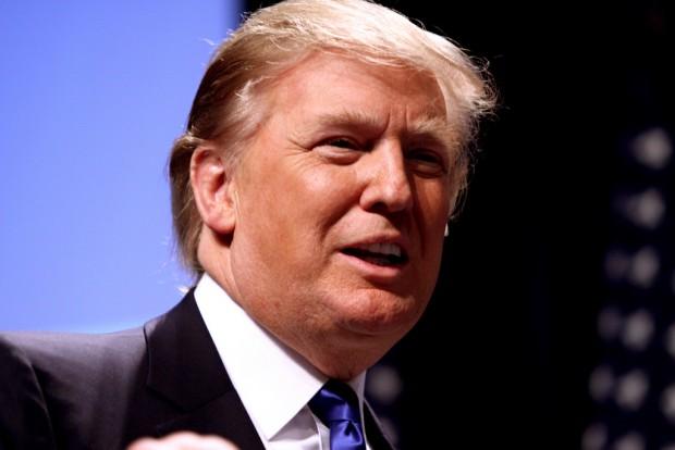 Trump tłumaczy się z apelu skierowanego do Rosji