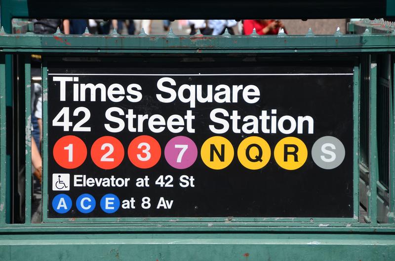 Więcej policjantów będzie strzec nowojorczyków podróżujących metrem