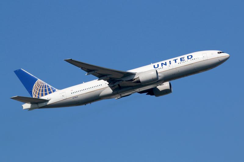 Śmierć pasażera w samolocie lecącym do Bostonu