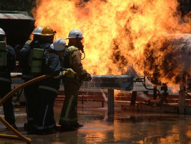 Pomagamy strażakowi z Detroit,  któremu ogień pochłonął dom