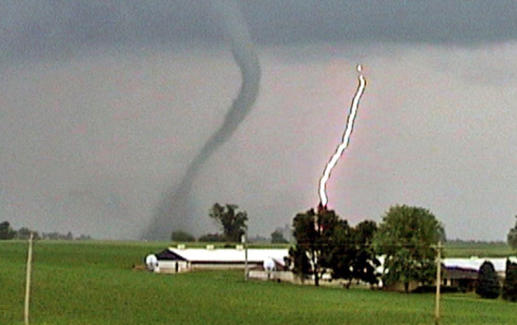 Przez Illinois przeszły gwałtowne burze i tornada