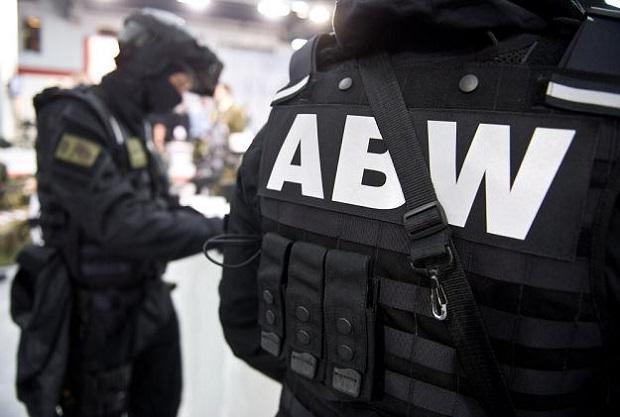 ABW: Dwie osoby zatrzymane w związku z wyłudzaniem VAT-u