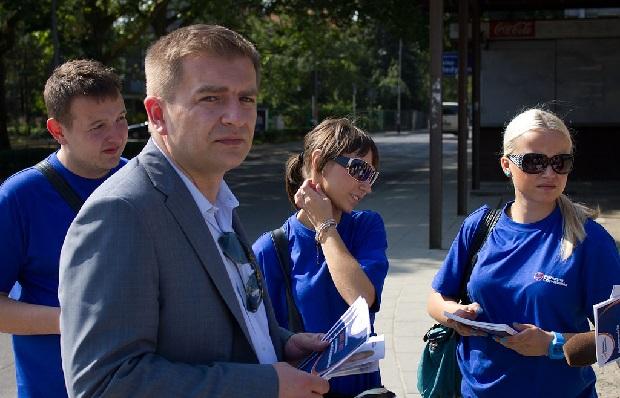 Były minister zdrowia Arłukowicz udzielił pierwszej pomocy senatorowi w samolocie do Szczecina