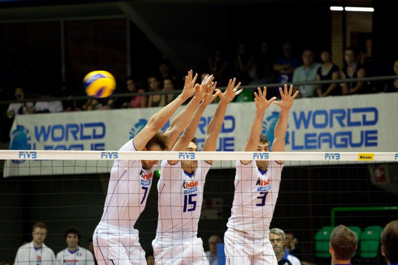 Siatkówka – LŚ: Włochy wygrały z Serbią 3:2