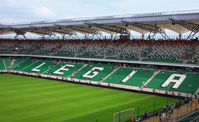Piłka nożna – Stanisław Czerczesow w Legii jednak o rok dłużej