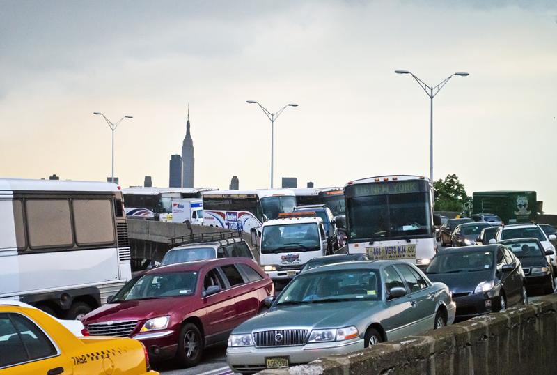 Nowojorscy kierowcy 74 godziny każdego roku tracą w korkach