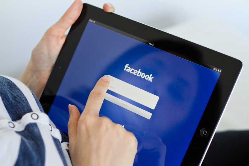 Facebook i Twitter usunęły setki kont używanych do dezinformacji
