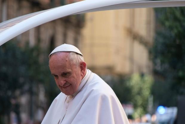 Papież w Kolumbii: Duże emocje i głośne okrzyki