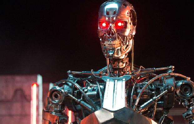 Światowe sławy technologii i fizyki ostrzegają przez robotami-zabójcami