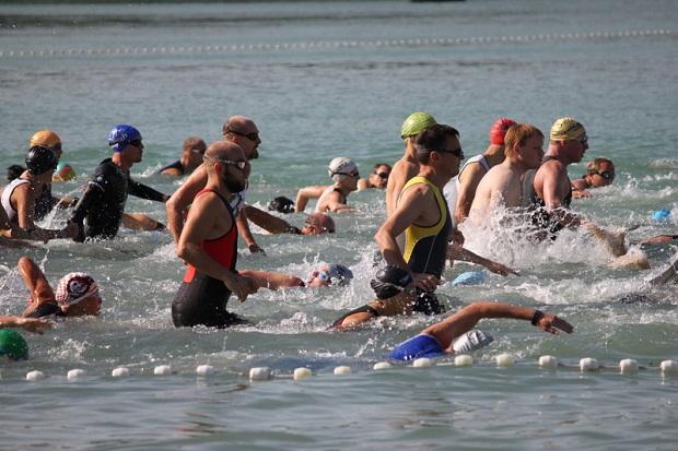 Blisko 9 tysięcy osób bierze udział w Chicago Triathlon