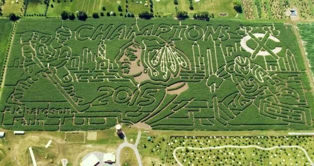 Labirynt na polu kukurydzy hołdem dla Chicago Blackhawks