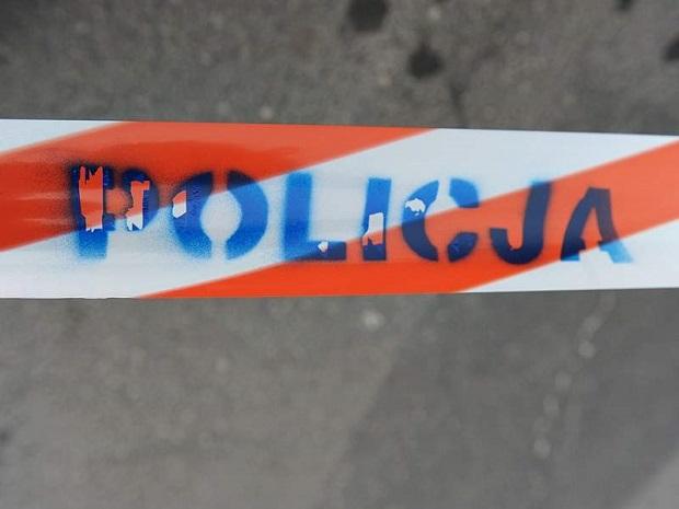 Policja znalazła martwego 20-latka przed internatem szkoły w Świnoujściu