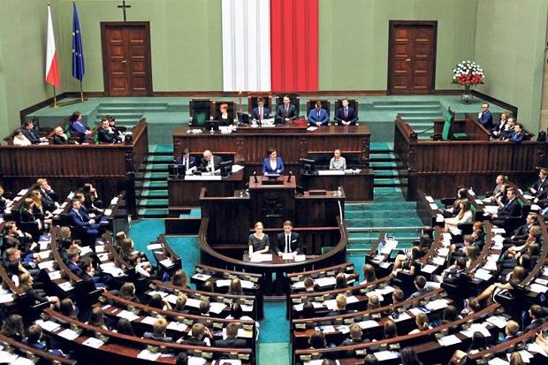 Ile wydaje rocznie poseł na Sejm