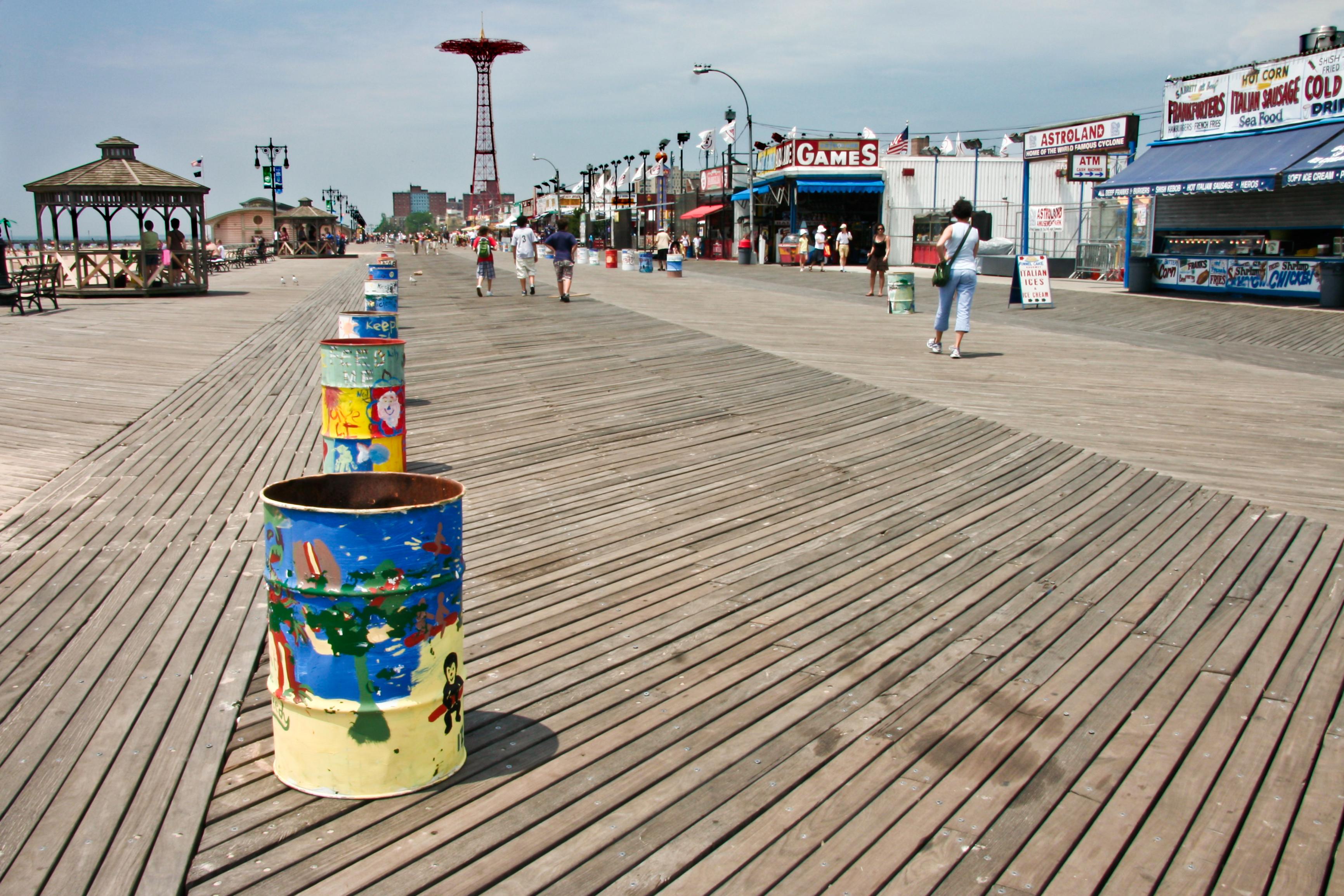 Promenada Coney Island orientacyjnym punktem w mieście