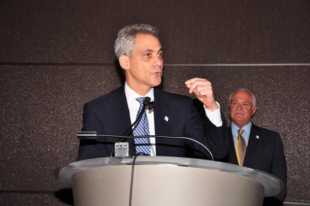 Rahm Emanuel na konferencji burmistrzów w Waszyngtonie