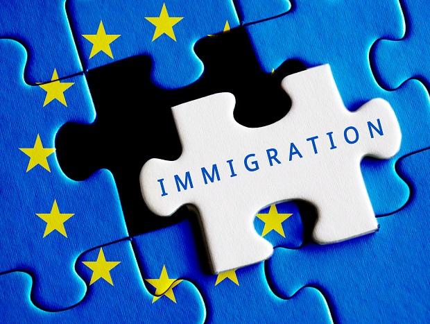 """W brytyjskim rządzie spory nt. imigracji. """"Radykalne odcięcie strumienia imigracji zaszkodzi gospodarce"""""""