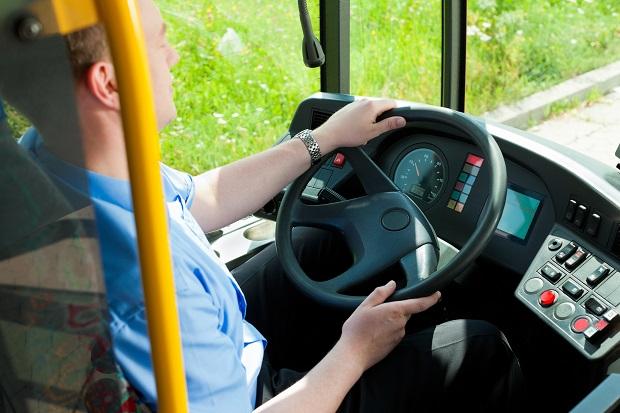 Pasażerka pobiła kierowcę autobusu. Pracodawca go zawiesił