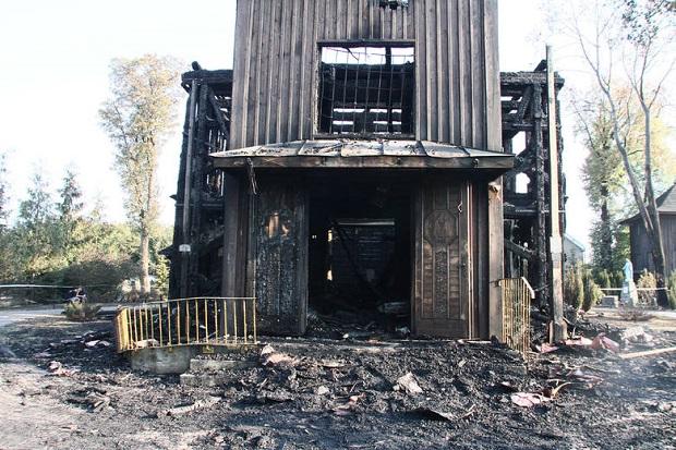 Pożar drewnianego kościoła w Mileszkach.
