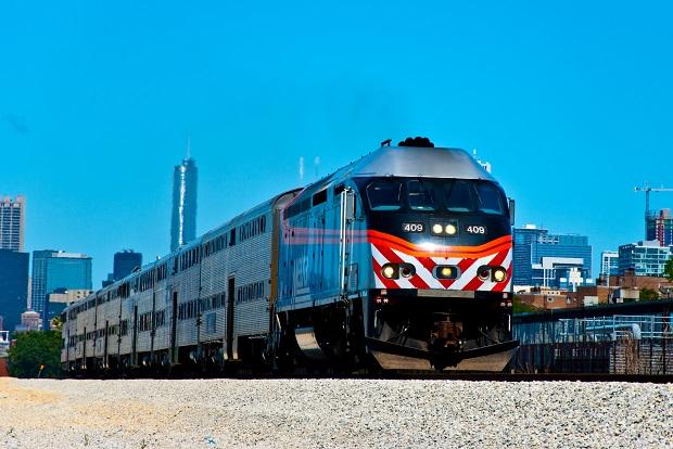 Metra zwiększa policyjne patrole w pociągach