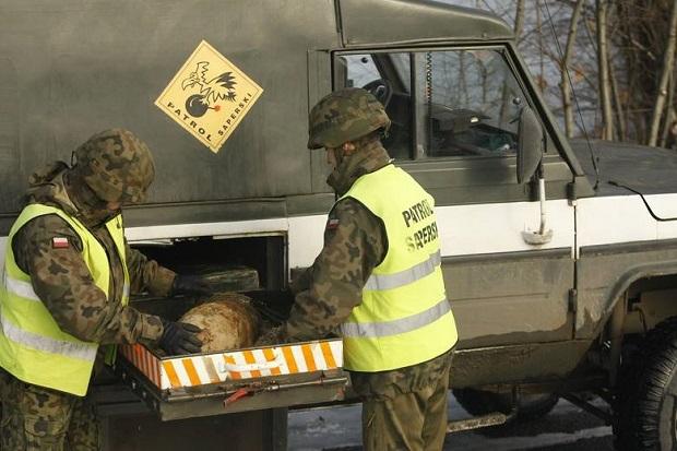 Śmiertelnie groźne pociski leżały pół metra pod ziemią w Tarnowie
