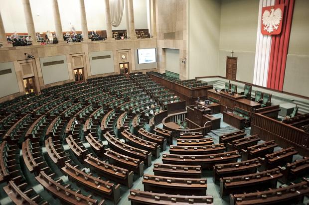 Kampania wyborcza do parlamentu wkracza w decydującą fazę