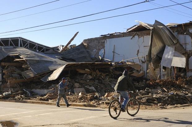 """Irak, Iran: """"Tańczyły"""" domy, trzęsła się ziemia, ginęli ludzie. Ofiar jest już ponad 300"""