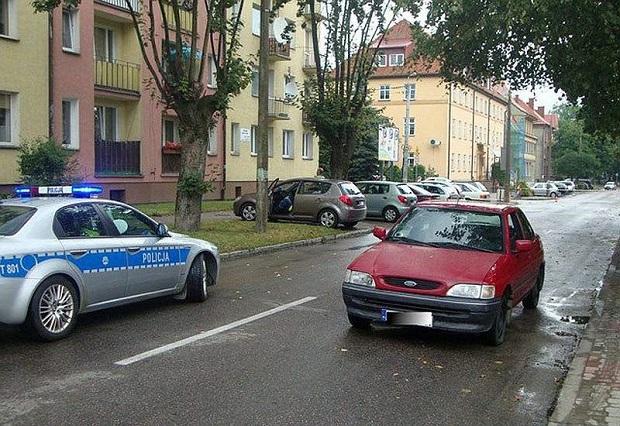 Matka z córką potrącone na przejściu dla pieszych w Olecku
