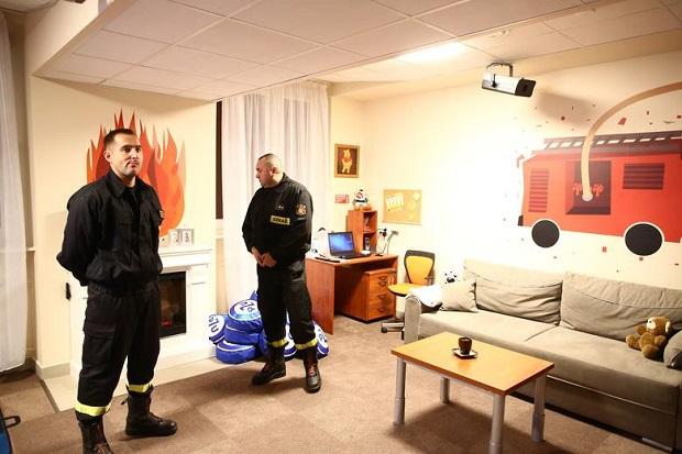 """""""Bezpieczny dom"""" ruszył w Radomiu. Strażacy będą w nim uczyć dzieci jak zapobiegać pożarom"""