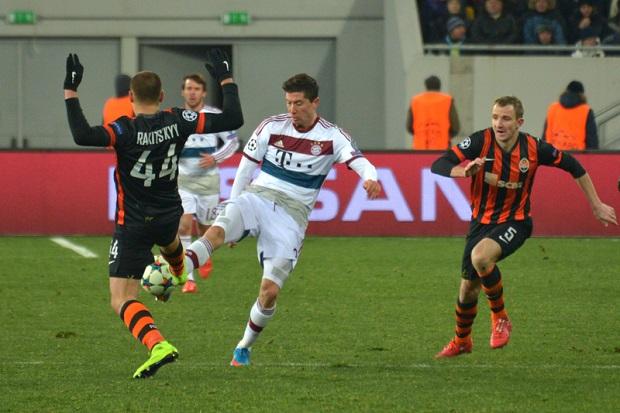Bawarczycy za silni na Bundesligę. Dwa gole Lewandowskiego(Video)