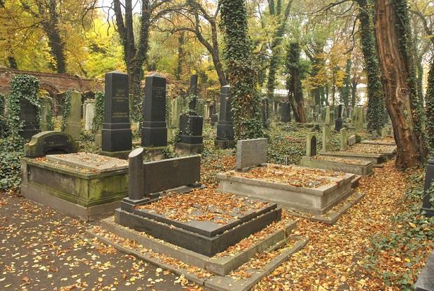 Kościół obchodzi dziś Dzień Zaduszny. Wspomnienie zmarłych oraz dzień zadumy nad celem i sensem naszego życia