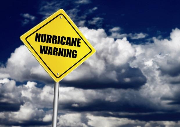 Uwaga: Zagrożenie huraganami w południowo-wschodniej części USA