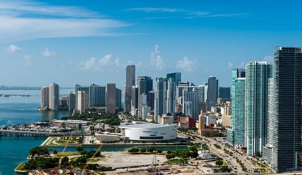 Alarm bombowy w domu opieki w Miami