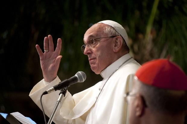 Papież Franciszek przeprasza za skandale