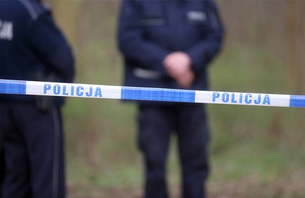 Mężczyzna z dzieckiem zginęli przygnieceni przez drzewo