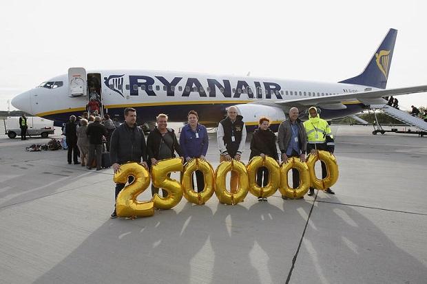Lotnisko w Łodzi odprawiło 2,5 milionowego pasażera Ryanair
