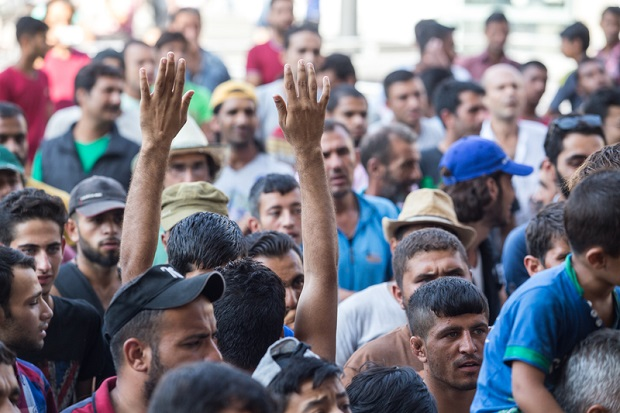 ISIS wysyła do Europy swoich wojowników jako uchodźców