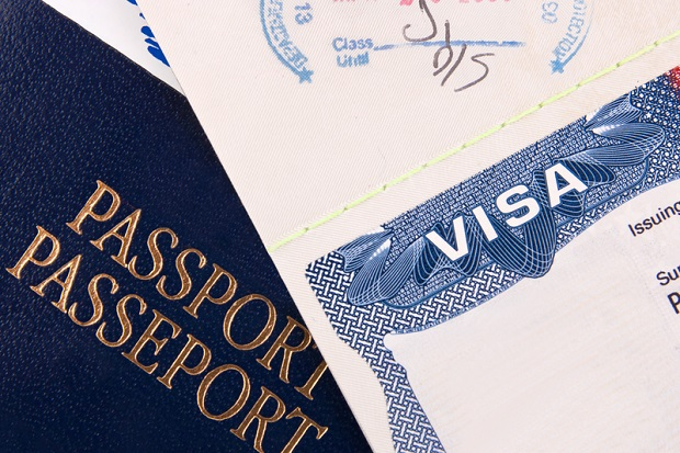 Kirk Bill Eases Restrictions for Poland's Inclusion in Visa Waiver Program