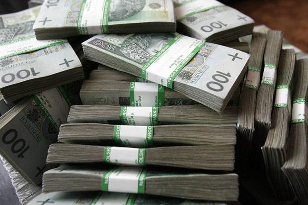 Pół miliona złotych znalezione w sortowni śmieci