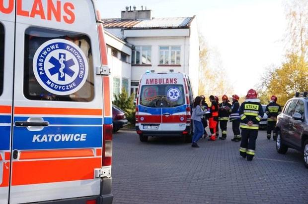 Ktoś rozpylił substancję chemiczną w jednej ze szkół w Rudzie Śląskiej. 14 uczniów w szpitalu