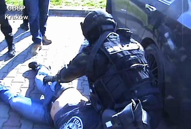 Gangster z Brzeszcz zatrzymany. Obracał milionami złotych z handlu amfetaminą