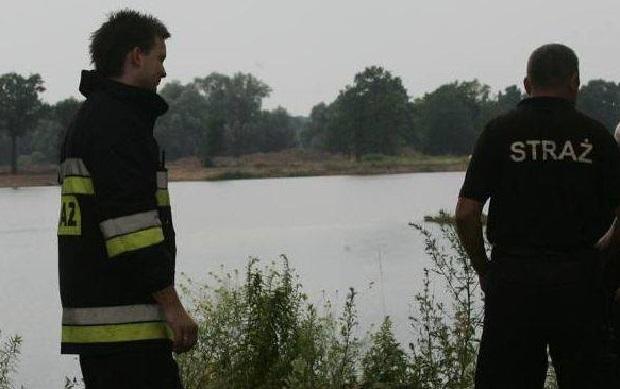 Akcja ratunkowa w powiecie aleksandrowskim. Przewróciła się łódka, dwie osoby zaginęły
