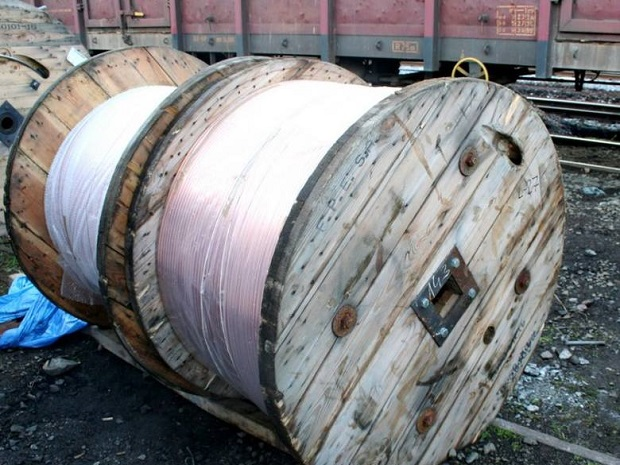 Złodzieje ukradli 8 km drutu trakcyjnego wartości 250 tys. zł