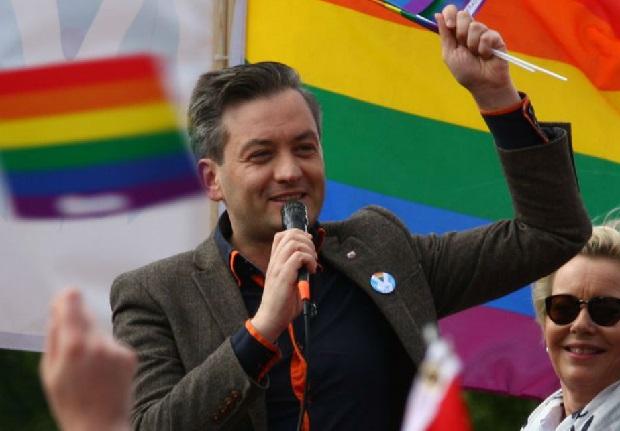 Prezydent Biedroń w Las Vegas. Będzie reprezentował Słupsk na konferencji LGBT