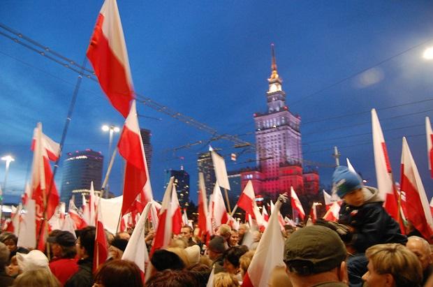Marsz Niepodległości w Warszawie bez poważniejszych incydentów